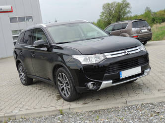 Mitsubishi Outlander by FrogsterPL