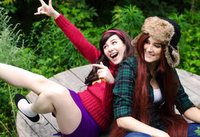 Gravity Falls Mabel and Wendy Cosplay by yencys