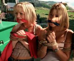 Hannah Spearritt and Rachel Stevens captured by Movi-Viento