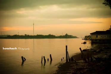 River Side of Mahakam by dmspram