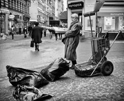 Handling rubbish by sandas04