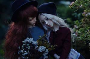 hugs in the garden I by AzureFantoccini