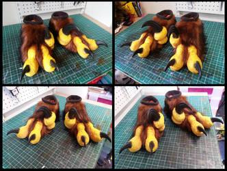 Pyroraptor Feet by CuriousCreatures