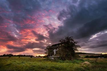 Cottage 12 by artmobe