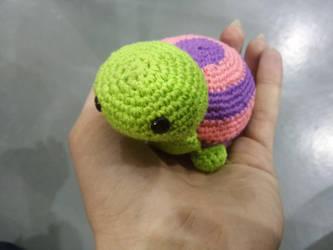 Crochet tortuguita colorida/colorfull turtle by KururuRyu