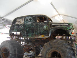 Grave Digger Truck #2 by ShockWaveX2