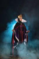 Evil Queen by AngelLiriel