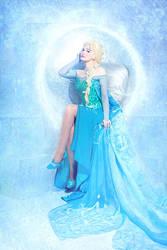 Queen Elsa 5 by Usagi-Tsukino-krv
