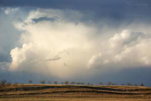 Restless Sky by tangratannakra