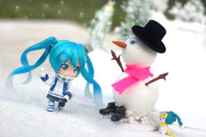 Playful Snow Miku by Awesomealexis1