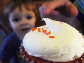 Cupcake Longing by Maevrim