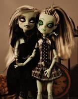 Killer Sisters by xNeonxXNinjax