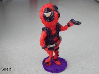 Little Deadpool figurine by Sualt