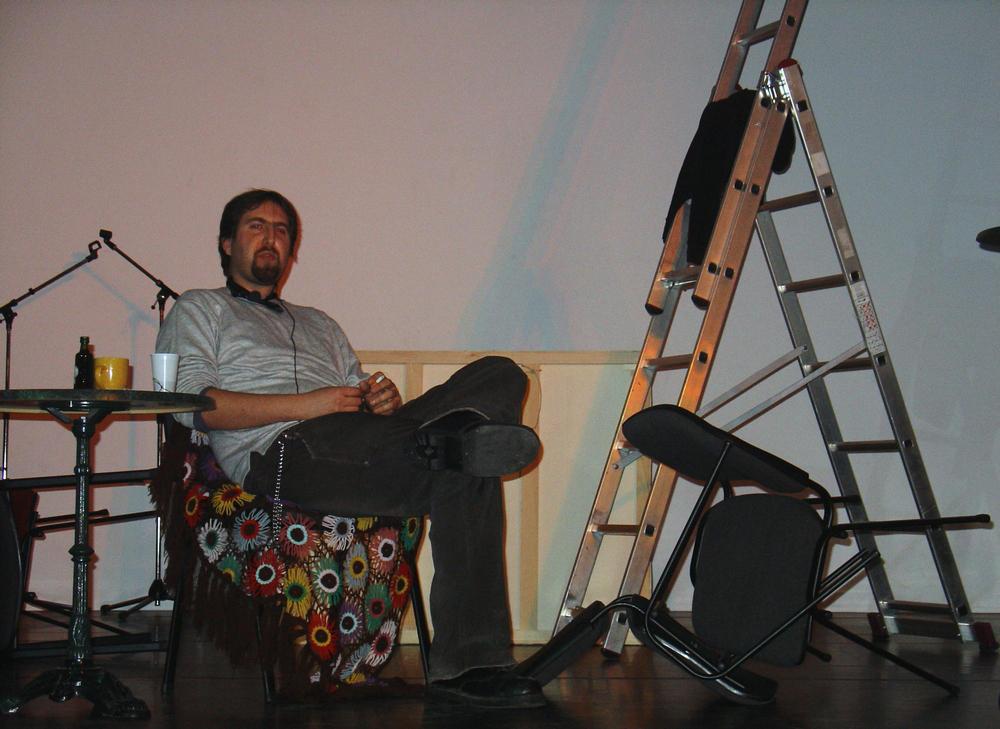 performans nedjeljom 2od4 by JohnKeats