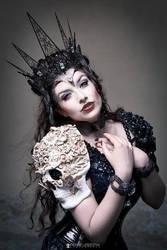 The Mask of Death by la-esmeralda