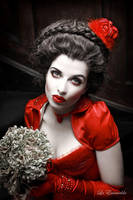 Red Queen by la-esmeralda