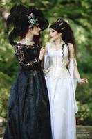 Light and Shadow by la-esmeralda