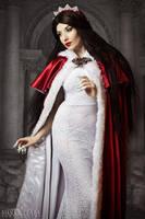 Snow White Queen by la-esmeralda