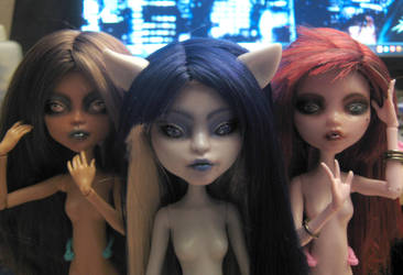 Monster High Girls by OkamiKodomo