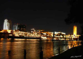 Sacramento at night by captnemo42