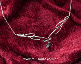 Rubi Elvish Necklace by raulsouza