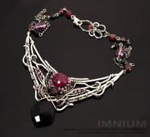 Black Nouveau necklace by IMNIUM
