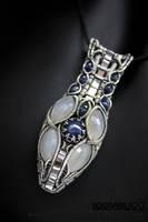 Star Sapphire Pendant by IMNIUM