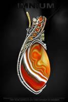 Reversible agate pendant by IMNIUM