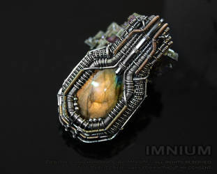 Golden orange labradorite pendant by IMNIUM