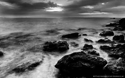 Waves and Rocks BW by derek87