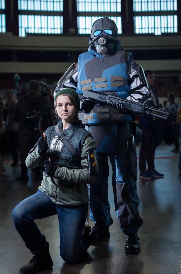 Half life 2 rebel cosplay