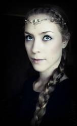 Elven bride by Nilenna