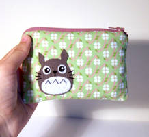 Awsome green totoro pouch by yael360