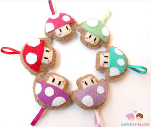 Kawaii mushroom plushie key chains by yael360