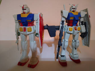 RX-78-2 Gundam (1980 and 2015) by kerosoldier