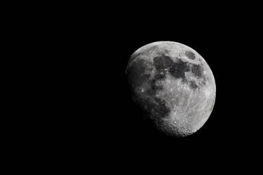 85 Percent Waxing Gibbous by lifeinedit