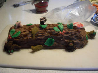 Fondant Cake Log by buna28