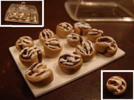 Mini Cinnamon Rolls by yobanda