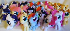 lots of ponies by MagnaStorm