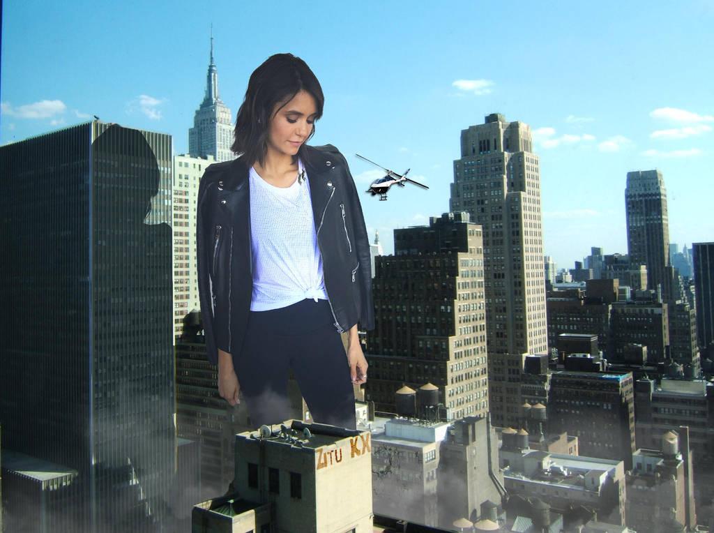 Nina visits NYC by ZituKX