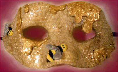 Honeybee by Leucrota