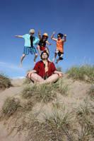 Mihawk on vacation by NaruDossu