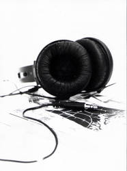 headphone and manga by rafacairo