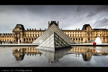 Pyramide by Shibbychibs