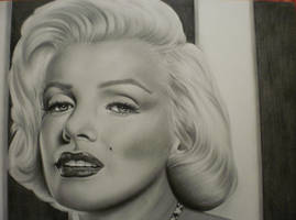 Marilyn Monroe by Mariannaeva