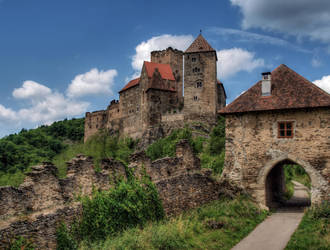 Hardegg castle by hadeeldar