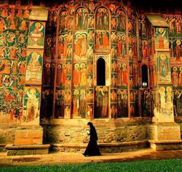 A woman between saints by BaciuC