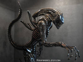 The Real Size Metal Alien by Kreatworks