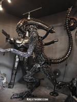 The 2.35m Metal Alien by Kreatworks