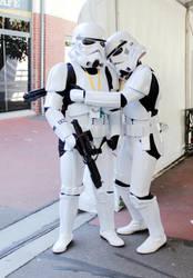 Stormtrooper hug by renedox